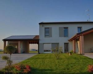Isolare le fondazioni. Nuova residenza sostenibile con NORMABLOK PIÙ TAGLIO TERMICO
