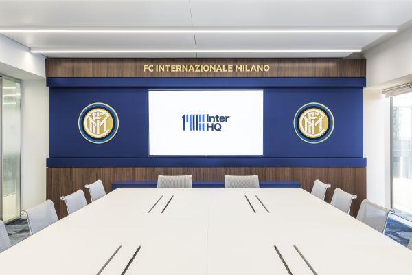Una delle sale riunioni della nuova sede dell'Inter a Milano
