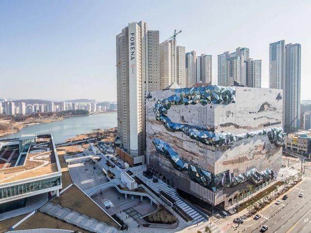 Il cubo di OMA a Gwanggyo in Corea del Sud