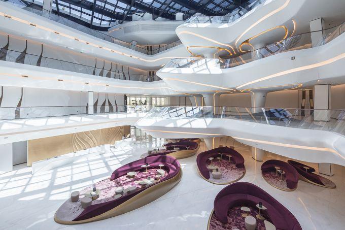 Opus hotel a Dubai progettato da Zaha Hadid Architects. L'interno
