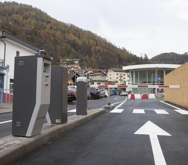 Parcheggio con sistema tecnologico PKE