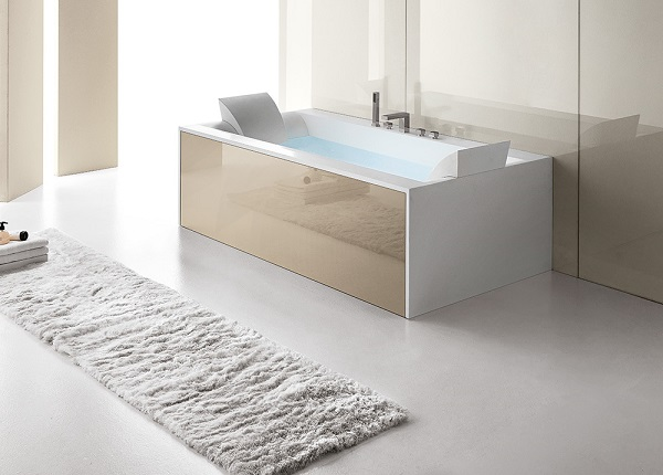 Vasca idromassaggio dal design fluido e funzionale