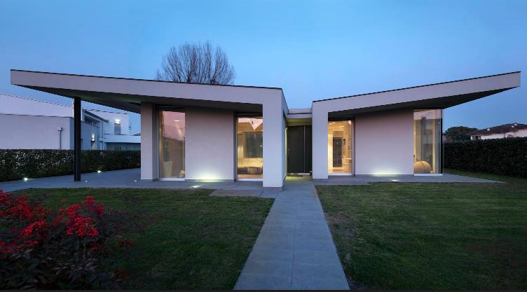 casa patio un 39 architettura trasparente