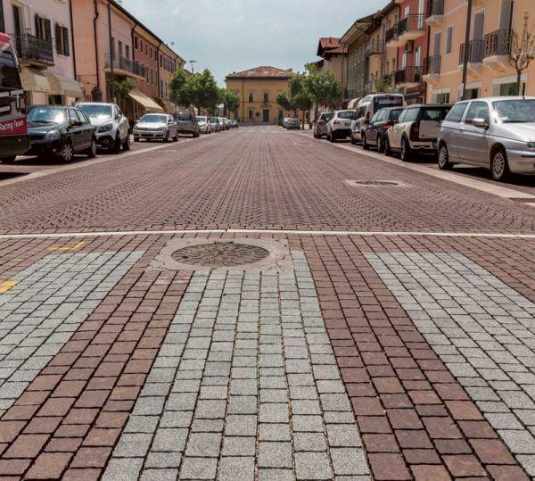 pavimento centro storico Ferrari BK