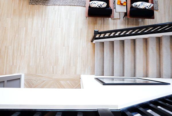 Pavimento in laminato vs parquet in legno