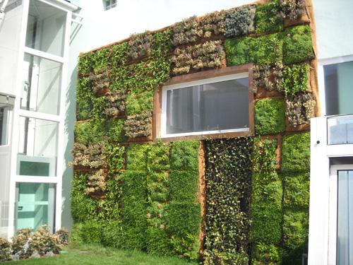 PERLIWALL® è il sistema brevettato da Perlite Italiana per la realizzazione di pareti e facciate inverdite