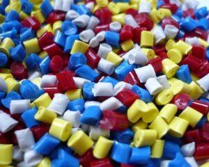 Carenza materie prime: in crisi la produzione di prodotti plastici in Europa