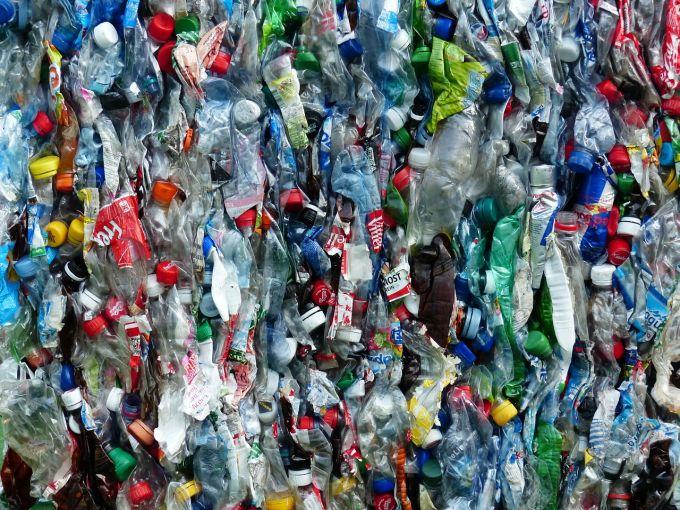 Smaltimento e riciclo della plastica