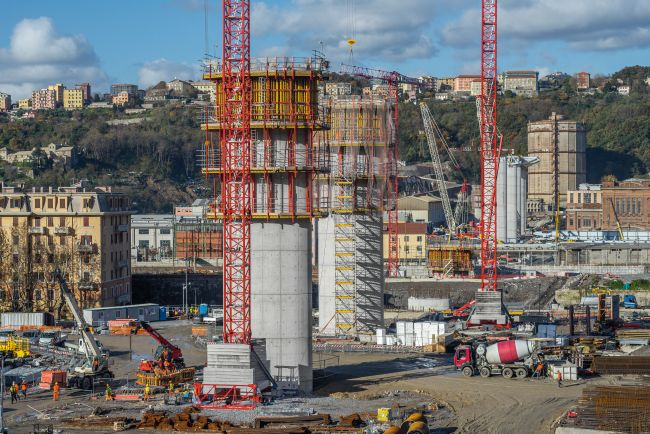 Ponte Polcevera a Genova,  fasi di realizzazione delle pile della struttura portante
