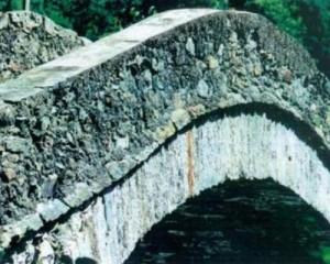 Rinforzo strutturale di ponti in muratura
