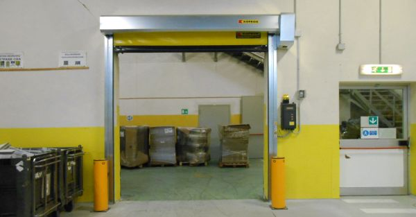 Le porte autoriparanti Kopron automatizzano i flussi logistici della sede di Poste Italiane a Bologna