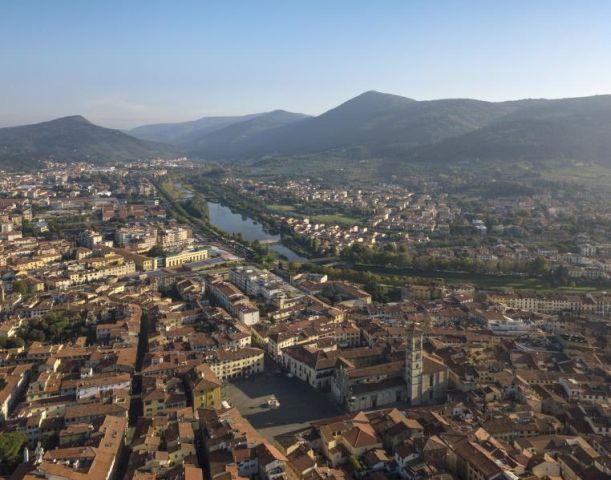 Città di Prato. Spazi urbani e paesaggi naturali