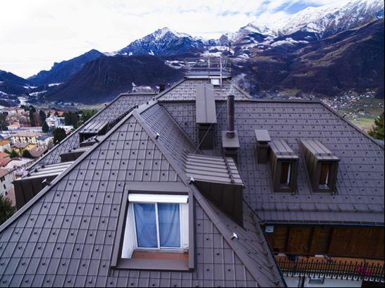 Le tegole Prefa per la ristrutturazione di un condominio in Valsassina