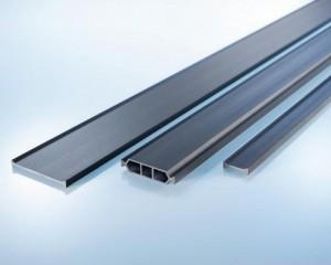 Facciate, finestre e porte in metallo termoisolate con profili Ensinger