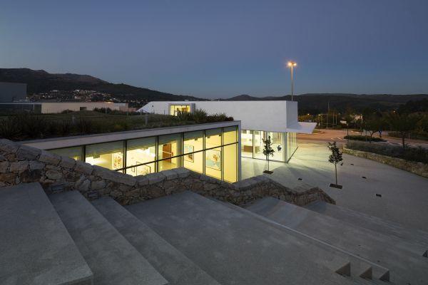 Rampa di accesso alla Fondazione Nadir Afonso