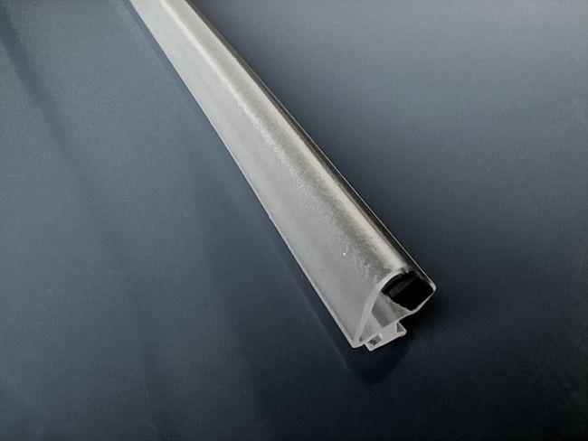 Relax, la cabina doccia di qualità: guarnizione magnetica in pvc