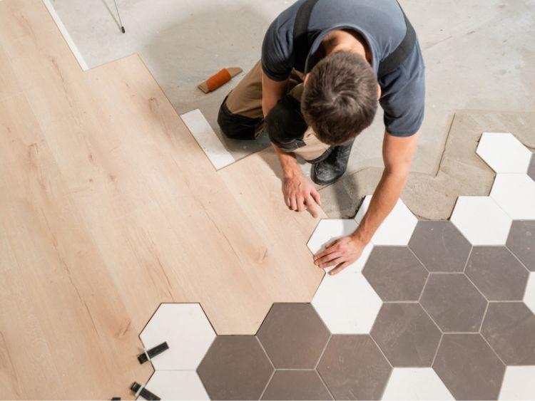 Rifacimento della pavimentazione esterna ed interna di casa senza permessi