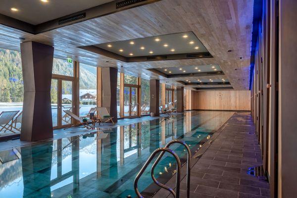Con una fornitura di mq 2500, Rockfon è protagonista del nuovo CampZero Active Luxury Resort a Champoluc (Aosta)