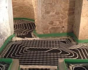Moderno impianto di climatizzazione in un'antica dimora