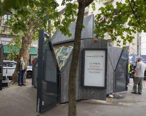 Inaugurata la prima edicola ecosostenibile in legno di Milano
