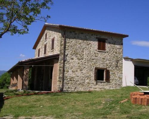 La casa in campagna per amatori - Pavimentazione esterna casa di campagna ...