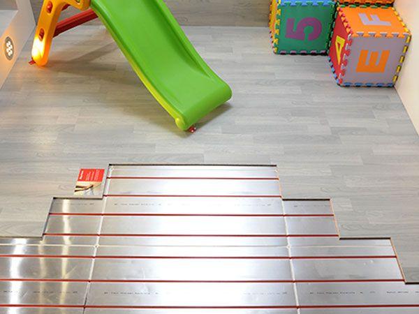 """Realizzare ambienti raffinati e sicuri per la famiglia è possibile: i pannelli """"nascosti"""" vi permetteranno di avere a disposizione tutto lo spazio, evitando inoltre la disposizione di sistemi per umidificare l'aria."""
