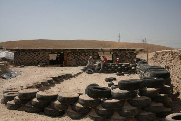 LA realizzazione della scuola di Al Khan Al Ahmar  (credits ARCò)