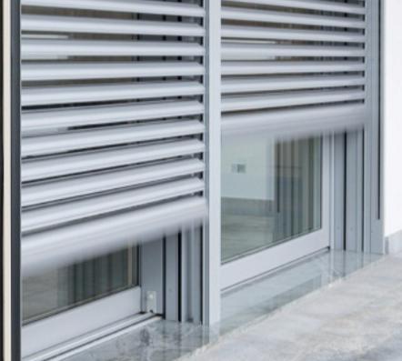 Serramenti per esterni finestre porte portoni cancelli for Serramenti esterni