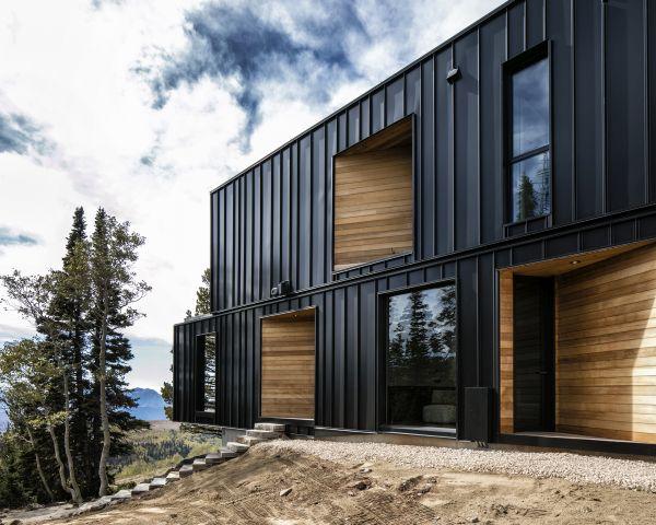 Nuovo ski-lodge The Kinii: rivestimenti esterni in metallo brunito