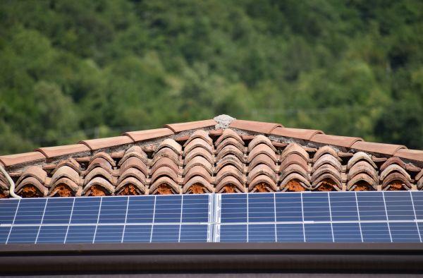 Smaltimento dei pannelli fotovoltaici: soggetti coinvolti e normativa di riferimento