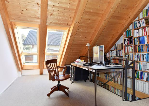 Rinnovato il sottotetto installando le finestre balcone fakro - Altezza parapetti finestre normativa ...
