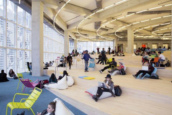 Gli spazio creativi per l'apprendimento caratterizzano il nuovo Student Learning Center di Toronto
