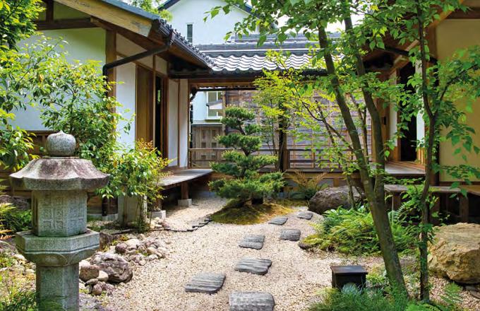 Passi giapponesi dalla superficie liscia