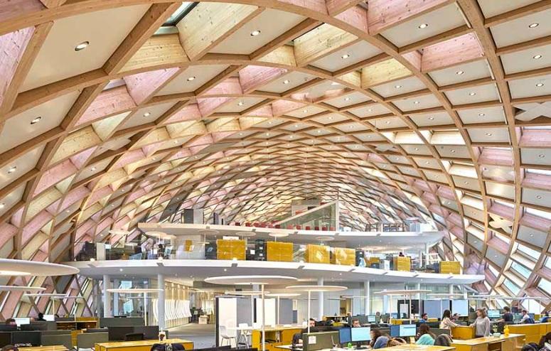 Gli spazi interni del nuovo headquarter Swatch