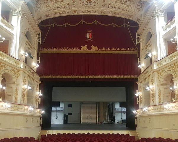 Teatro Galli a Rimini, portone hormann per la rapida chiusura del retropalco