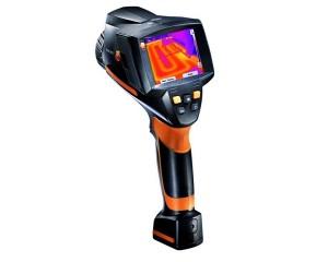 Termocamera testo 875i per l'individuazione di anomalie in impianti e materiali