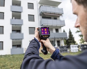 Termocamera testo 883: strumento di misura per la consulenza energetica