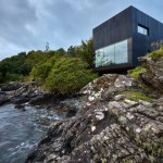 The Black House: la casa da sogno con un bagno in stile urban