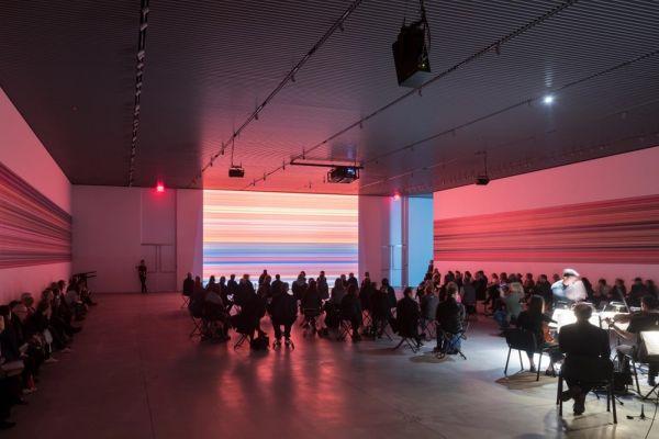 Lo spazio espositivo interno di The Shed, il palazzo allungabile inaugurato a New York