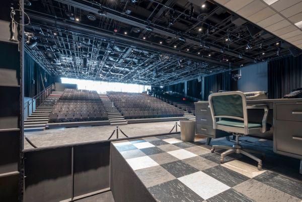 Il teatro interno a The Shed, il palazzo allungabile di New York
