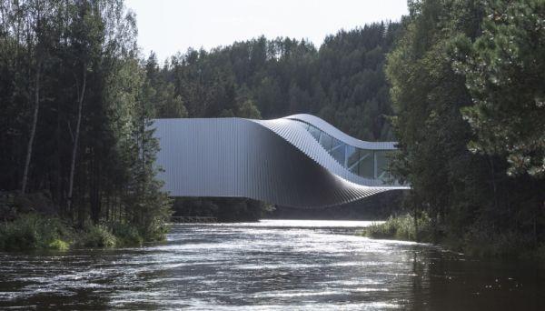 The twist: il ponte che diventa un'opera d'arte