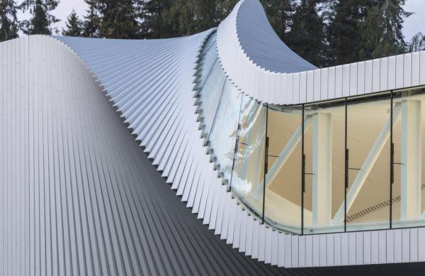 The twist il ponte in Norvegia dalla geometria intrecciata che diventa un'opera d'arte