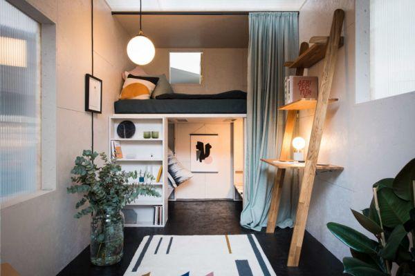 Interno del modulo abitativo in Auto-costruzione di studio Bark