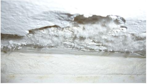 Rigonfiamenti e fessurazioni dovute all'umidità