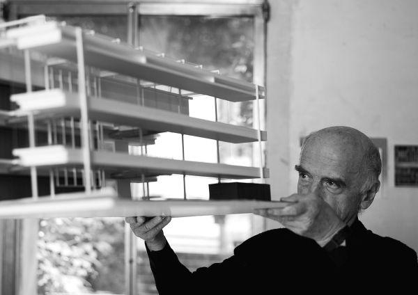Progetto dell'Architetto Guido Canali per la nuova sede Prada di Arezzo
