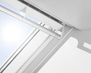 Velux nuova generazione di finestre per tetti for Rivenditori velux roma