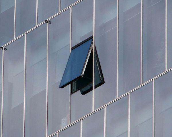 Aprire le finestre aiuta la ventilazione naturale