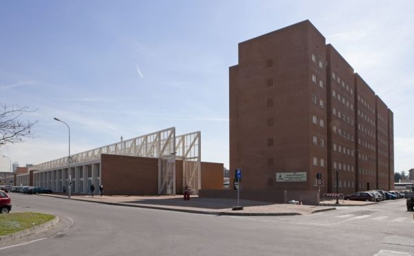 Edificio residenziali e stazione