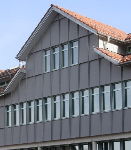 Facciata ventilata realizzata con VMZ Composite